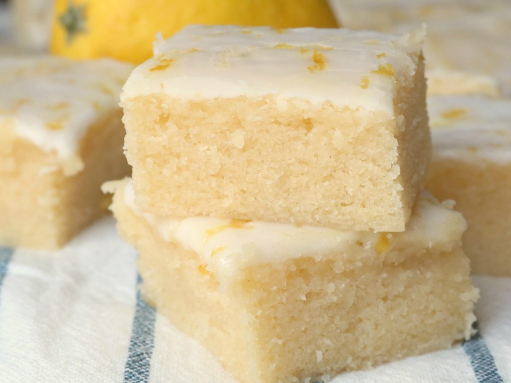 Chewy Glazed Lemon Brownies
